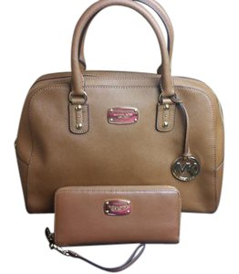 Michael Kors Dome Set Satchel in DUNE