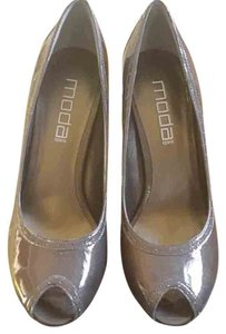 Moda Spana Pewter Grey Pumps