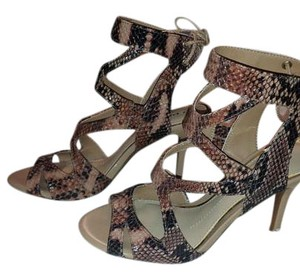 Gianni Bini Heel Open Toe Strappy Lace-back Leather Nude Pumps