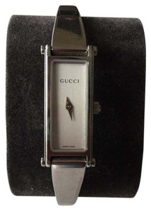 Gucci Gucci 1500l YA015527 Stainless Steel Women's Watch