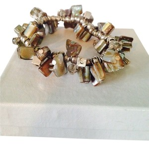 Kenneth Cole Silver-Tone Shaky Shell Bead Stretch Bracelet