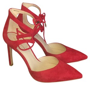 Pelle Moda Suede red Pumps