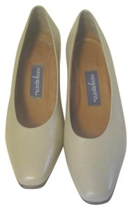 Easy Spirit 2 Inch Career Heels Mix N Matc Beige Pumps