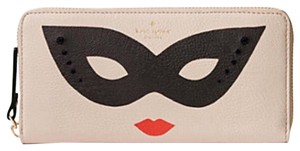 Kate Spade Dress the part mask Lacey Wallet