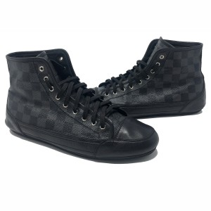 Louis Vuitton Valentino Chanel Gucci Sneakers Kanye Black Athletic