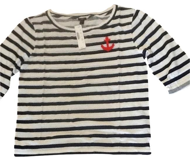 Preload https://item5.tradesy.com/images/jcrew-white-with-navy-blue-stripe-tee-shirt-size-4-s-2109789-0-0.jpg?width=400&height=650