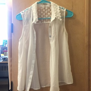 Timing Lace Top White