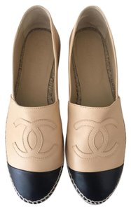 Chanel Beige Black Flats