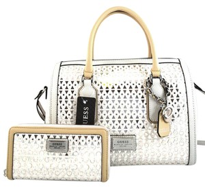 Guess Satchel in cement off white