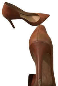 Jessica Simpson cognac Pumps