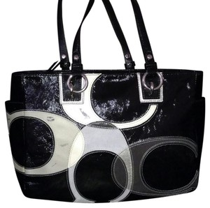 Coach Tote in Black / White / Gray