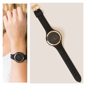 Francesca's NWT Round Digital Watch