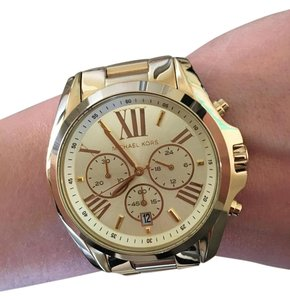 dcd82666d977 Michael Kors Gold Watches - Up to 90% off at Tradesy