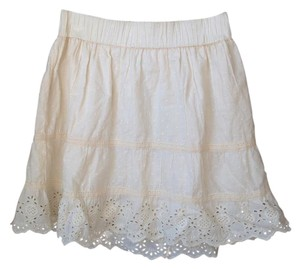 Maurices Embroidered Cream Colour Skirt Off-white/cream