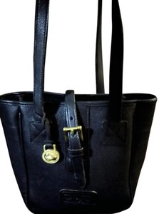 Dooney & Bourke Little & Tote in Black