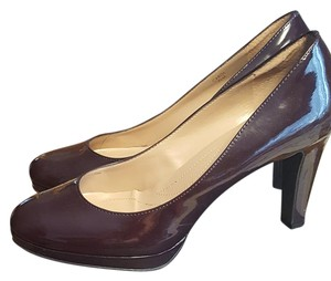 Tahari Plum Pumps