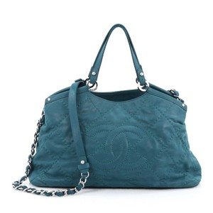 Chanel Leather Tote in Blue