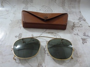 Bausch & Lomb BAUSCH & LOMB SUNGLASSES CLIP ON AND CASE VINTAGE RARE!