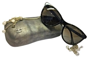 Chanel Chanel Cat-Eye Pearl Sunglasses w/Tags 5341