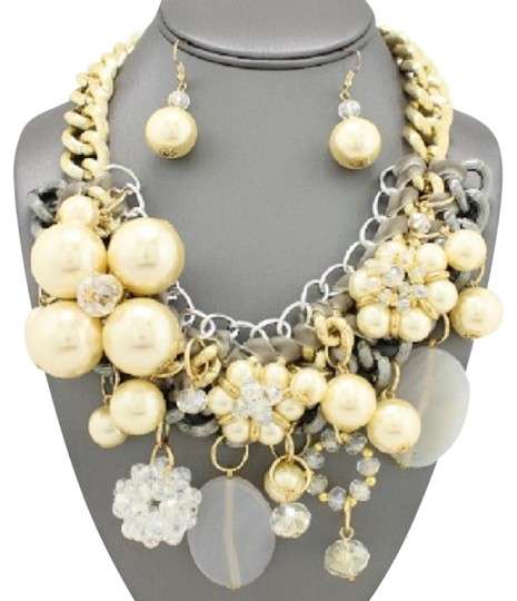 Preload https://img-static.tradesy.com/item/21105651/silver-cream-clear-gray-chunky-pearl-gold-and-tone-chain-and-earrings-necklace-0-1-540-540.jpg