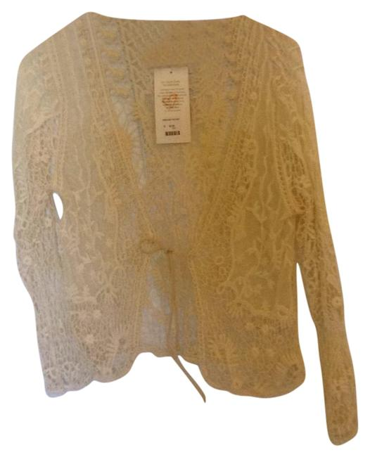 Preload https://img-static.tradesy.com/item/21105708/cinnamon-girl-cream-lace-1925-blouse-size-6-s-0-1-650-650.jpg
