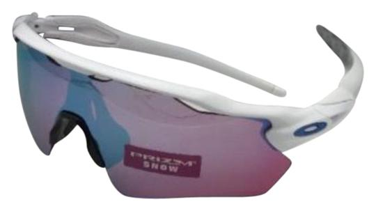 Preload https://img-static.tradesy.com/item/21106105/oakley-new-radar-ev-path-oo9208-47-white-frame-w-prizm-sapphire-snow-w-sunglasses-0-1-540-540.jpg
