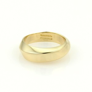 Tiffany & Co. Vintage 18k Yellow Gold 5.5mm Wide Wave Band Ring Size 6 Italy
