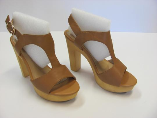 Okang New Size 5.50 M (Usa) Excellent Condition Neutral Platforms Image 1