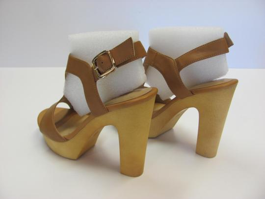 Okang New Size 5.50 M (Usa) Excellent Condition Neutral Platforms Image 6