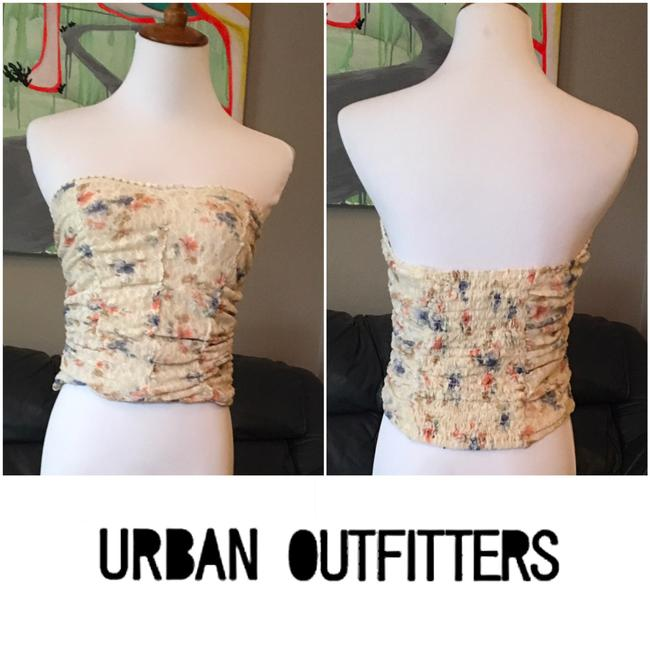 Pins and Needles Floral Crop Lace Crop Top beige Image 3
