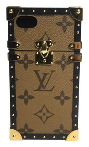 Louis Vuitton iPhone 7 Monogram Trunk Case