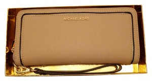 Michael Kors Frame Out Item Travel Continental