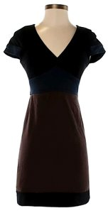 BCBGMAXAZRIA Short Sleeves Color-blocking Empire Waist V-neck Dress