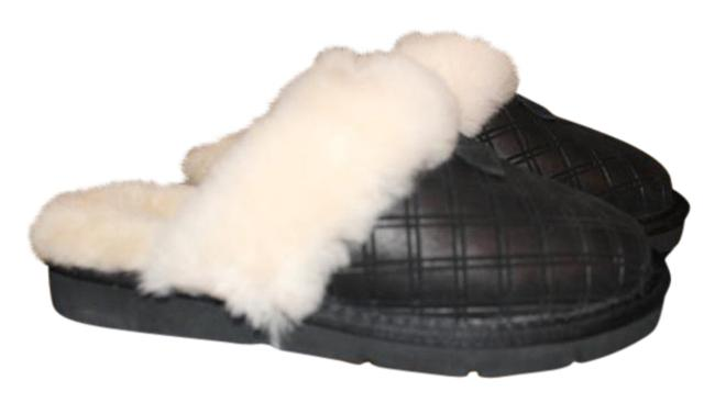Item - Black Cozy Double Diamond Slip On Shearling Slipper Flats Size US 6 Regular (M, B)
