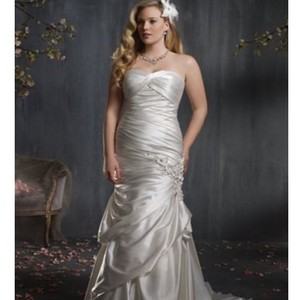 Alfred Angelo Alfred Angelo 2347 Wedding Dress