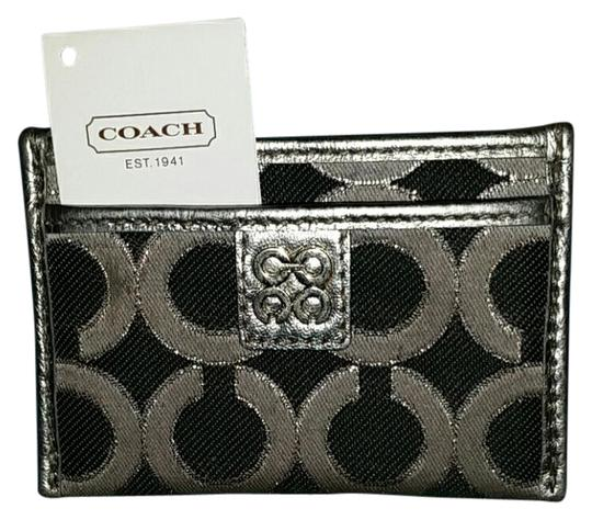 Preload https://img-static.tradesy.com/item/21109891/coach-1941-metallic-black-and-grey-card-wallet-0-1-540-540.jpg