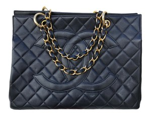Chanel Flap Maxi Boy Shopping Tote in Black