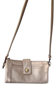 Relic Soft Crossbody Wallet Wristlet Removable Straps RLS5871
