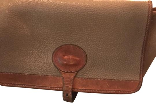 Preload https://img-static.tradesy.com/item/21111303/dooney-and-bourke-vintage-and-two-toned-brown-leather-cross-body-bag-0-1-540-540.jpg