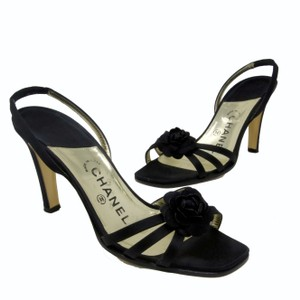 Chanel Leather Graffiti Espadrille Valentino Runway Black Pumps