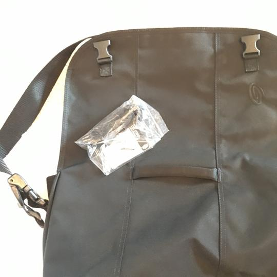 Timbuk2 large custom messenger bag with awesome features Image 5