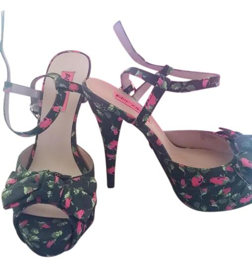Preload https://img-static.tradesy.com/item/21113168/betsey-johnson-multicolor-plartfom-sandals-pumps-size-us-85-0-4-540-540.jpg