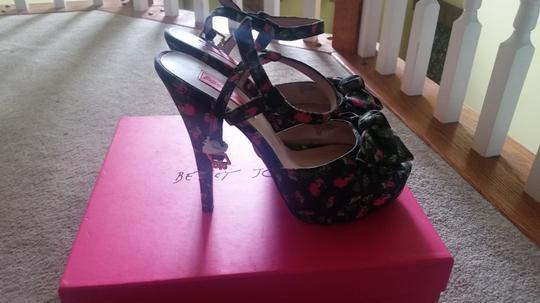 Betsey Johnson Multi Pumps Image 6