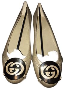 Gucci Golden Beige Metallic Flats