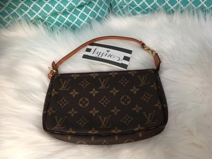 Louis Vuitton Pochette Accesories Pochette Pouch Shoulder Bag