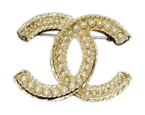 Chanel chanel pearl pin