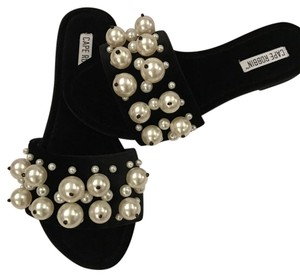 Cape Robbin Pearls Flats black Sandals