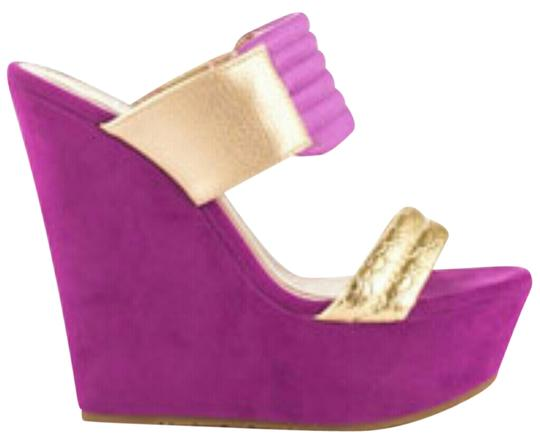 Preload https://item2.tradesy.com/images/makers-orchid-wedges-size-us-85-regular-m-b-2111681-0-0.jpg?width=440&height=440