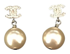 Chanel Chanel Classic CC Logo Pearl Drop Earrings