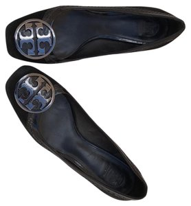Tory Burch black sieve with details as shown in pic Pumps